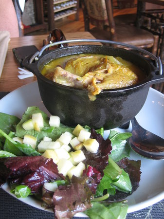Harvest on Main: chicken curry