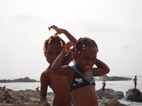Boa Vista, Cape Verde: bellissime bambine capoverdiane
