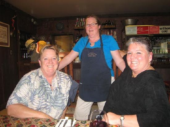 Crazy Mountain Inn: Sisters dining at the Crazy Mtn Inn