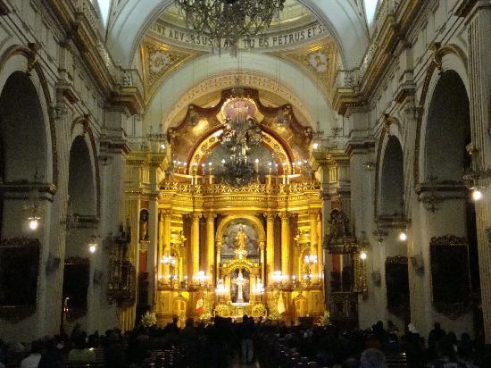 San Pedro Church (Iglesia de San Pedro): ミサ