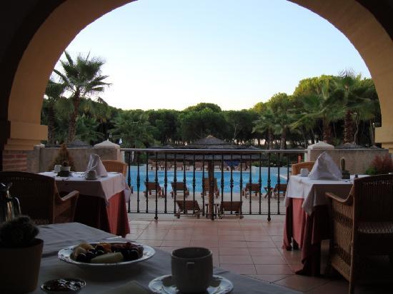 SENSIMAR Isla Cristina Palace & Spa: Desayunando en el porche
