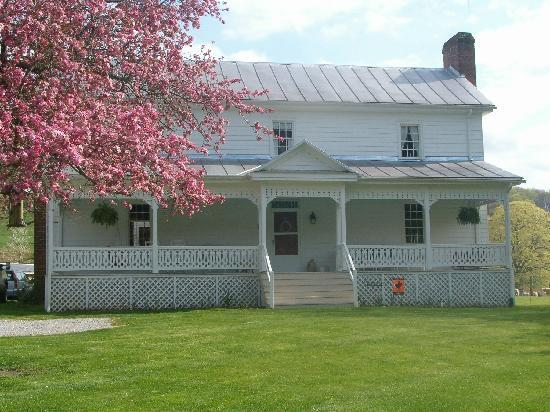 Newport, Βιρτζίνια: The Huffman House in Spring