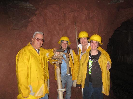 Bachelor - Syracuse Mine Tour: 3 Reitz's and 1 Price