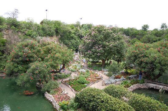 Japanese Tea Gardens : Overview