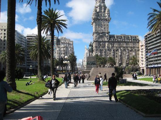 Montevideo, Uruguay: Plaza de la Indepedencia