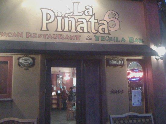 La Pinata 6 Mexican Restaurant & Tequila Bar: Entrance