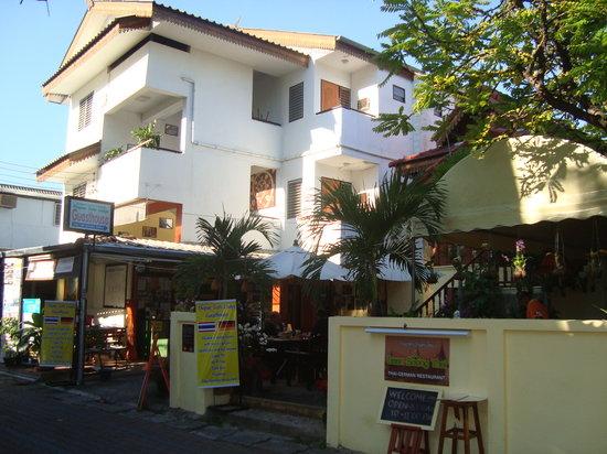 Thapae Gate Lodge Chiang Mai Thailand Guesthouse Reviews Photos Price Comparison Tripadvisor