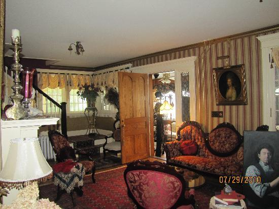 Mountain View Inn: Beautiful room downstairs
