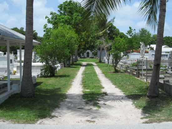 Key West Cemetery: peaceful