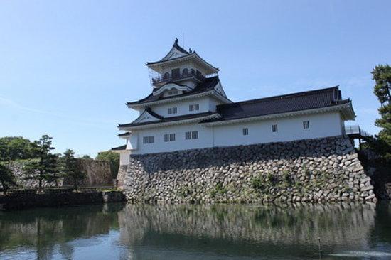 Toyama, Japon : お堀と富山城