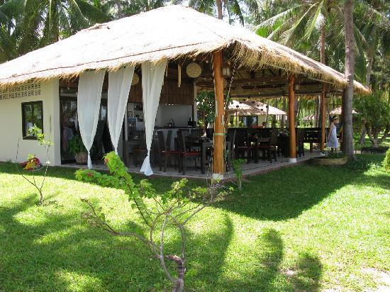 Baan Manali Resort: Sunset restaurant and bar