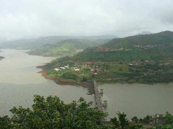 Lavasa, India: view from natural trail near ekant retreat hotel