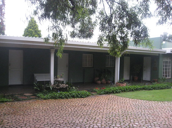 Marben Manor Guest House : Outside rooms