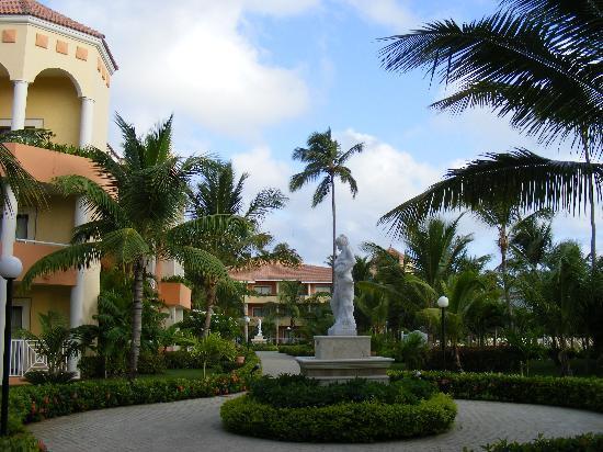 Luxury Bahia Principe Ambar Blue Don Pablo Collection: Magnifiques jardins.