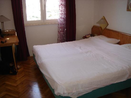 Apartments Carol: bedroom