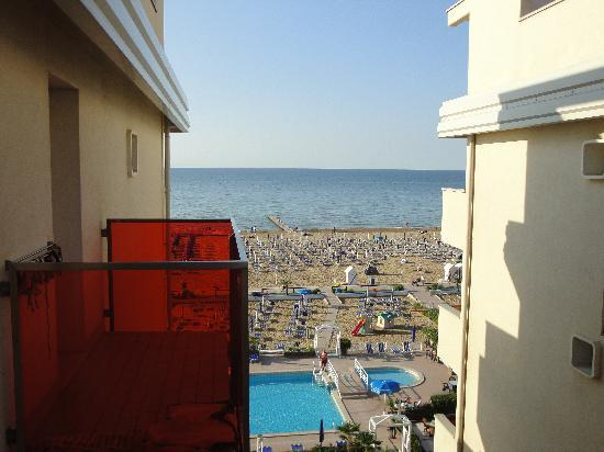 Hotel Orient & Pacific : vista laterale dal balcone