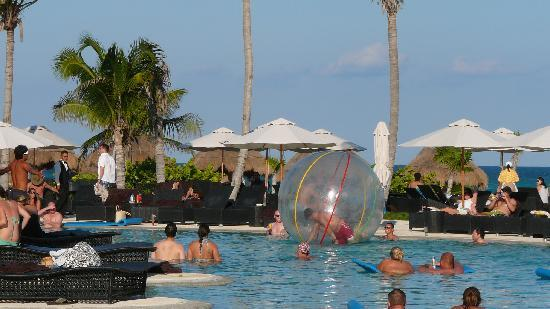 "Secrets Maroma Beach Riviera Cancun: ""Amerikaner in Action"""