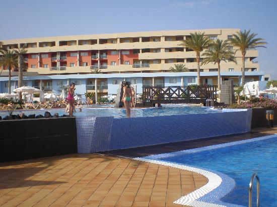 IBEROSTAR Playa Gaviotas Park: una de las piscinas