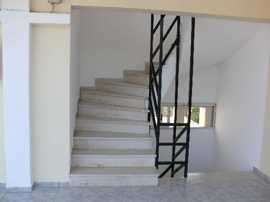 Prassino Nissi: No lifts