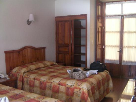 Hotel Puebla Plaza: Our room 2nd floor facing the street