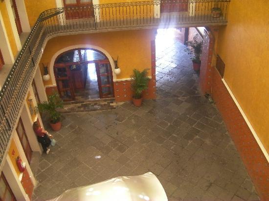 Hotel Puebla Plaza: The hotel lobby area