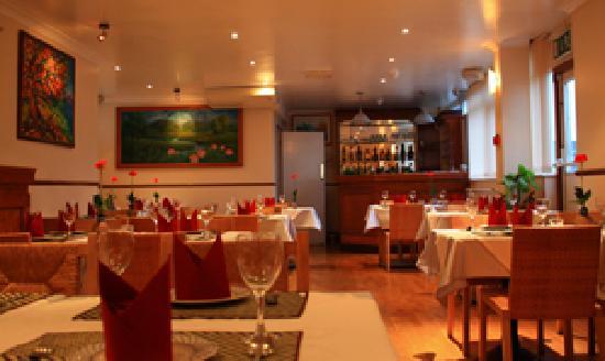 Grandma Dim Sum Restaurant: room atmsophere