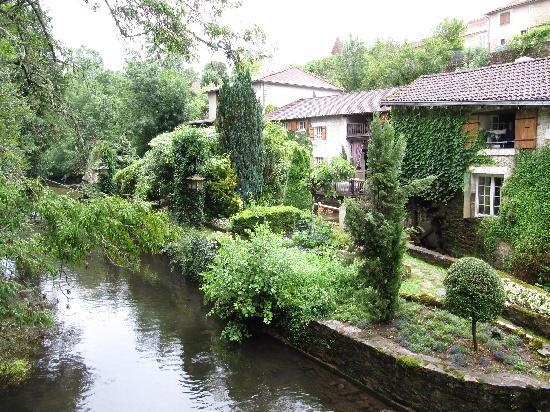 Le Moulin du Roc : Outside