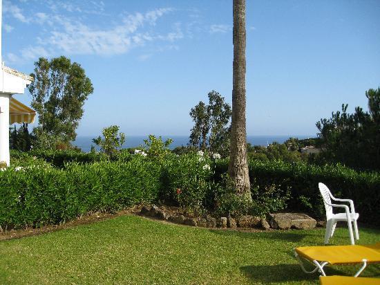 Miraflores Resort: The beautiful garden of the apartment