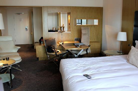 Park Hyatt Sydney : Interior of our Opera View Room, Sydney Park Hyatt