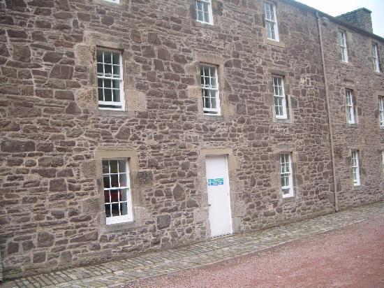 Wee Row Hostel: New Lanark Youth Hostel