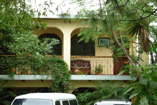 Hotel Larry's Place : Fachada principal