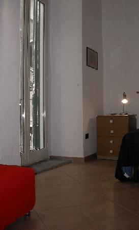 Le Piche del Biancomangiare: finestra sul balcone