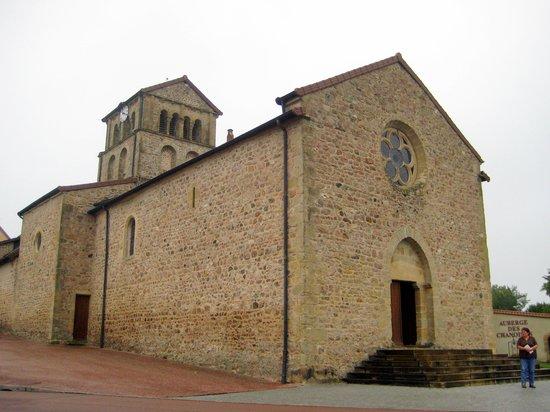 Auberge des Chanoines: Angrenzende Kirche