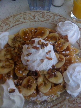Another Broken Egg Cafe On : Banana Fosters Waffles
