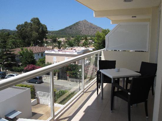 Foto de las gaviotas suites hotel playa de muro terraza for Muro de separacion terraza