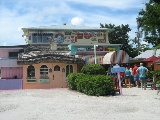Sanibel Island Restaurants: Different Atmosphere Than Anything Else In The Area