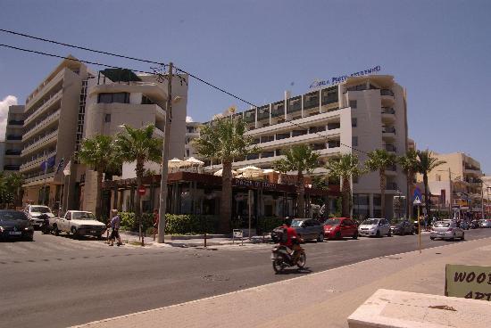 Aquila Porto Rethymno Hotel: vue sur l'hotel