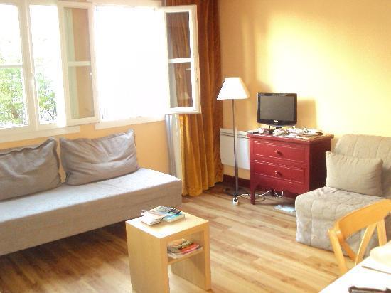 Adagio Paris Montmartre : De huiskamer gezelliger..........