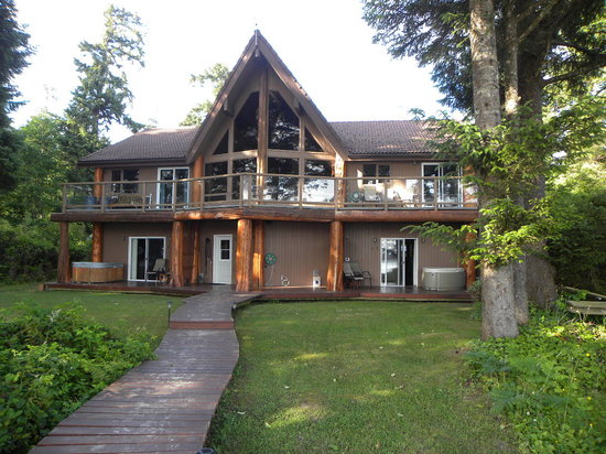 Beach Break Lodge: Quiet & Secluded - Right on the Beach