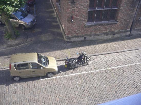 B&B Bariseele: safe parking for car & motorbikes