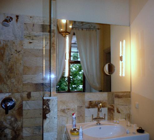 Hotel Börse: vanity mirror
