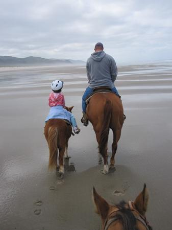 Oregon Beach Rides: Epic views on horseback