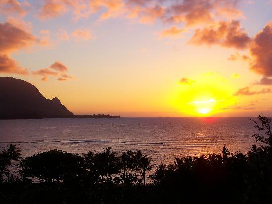 Hanalei Bay Resort: sunset from our lanai