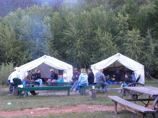 Vee Bar Guest Ranch: Camp out at Deerwood