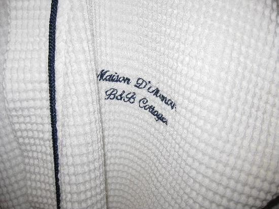 Maison D'Memoire Bed & Breakfast Cottages: Monogrammed Robes