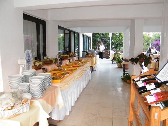 إكيسي هوتل: buffett in terrazza