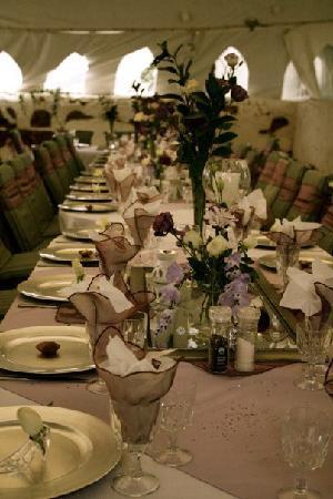 ذا كانتري جيستهاوس: Decorations