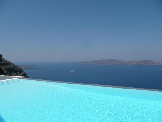 Anastasis Apartments: Infinity Pool - amazing view