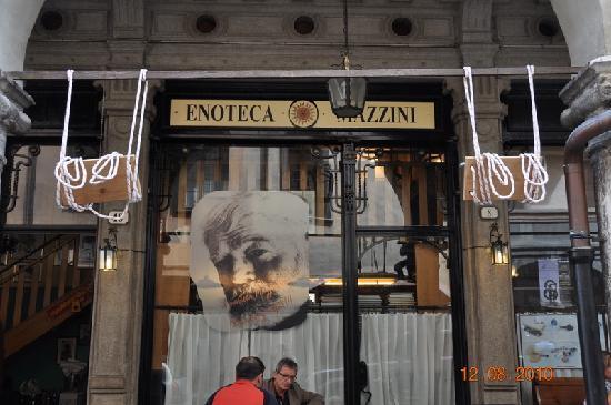 Belluno, Italien: insegna dell'Enoteca
