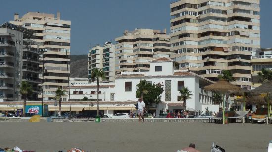 Hotel Tarik: Hotel desde la playa